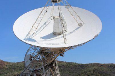 26 meter radio-telescope located at the Hartebeeshoek Radio Astronomy Observatory (HartRAO), Johannesburg. Image credit: Martinvl